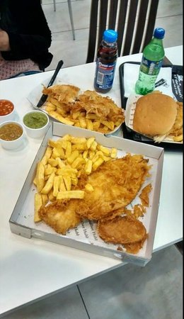 Mother Hubbard's (Leeds Road): #FamousFishAndChips #Fish #Chips #Food #Amazing #ChipButty