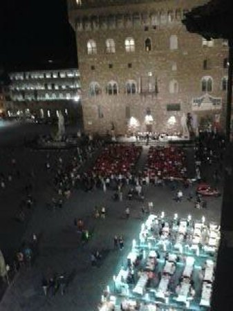 Relais Piazza Signoria: nightime view of a concert in the Piazza from window.