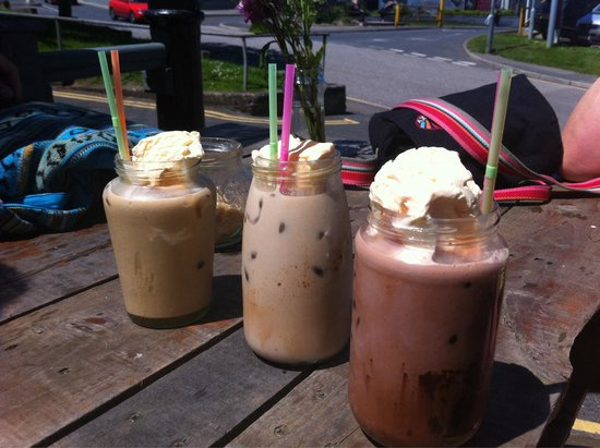 The Jam Jar: Iced mocha, chai latte and latte! Delicious