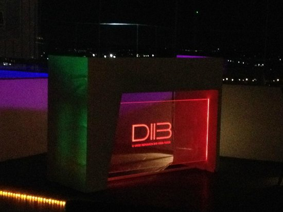 D Varee Jomtien Beach, Pattaya: Happy Hour at penthouse (D Varee Inspiration Bar)