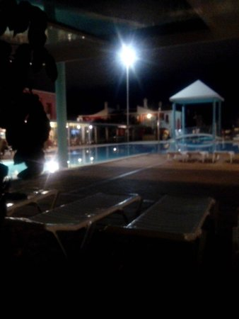 Cordial Green Golf: piscine le soir