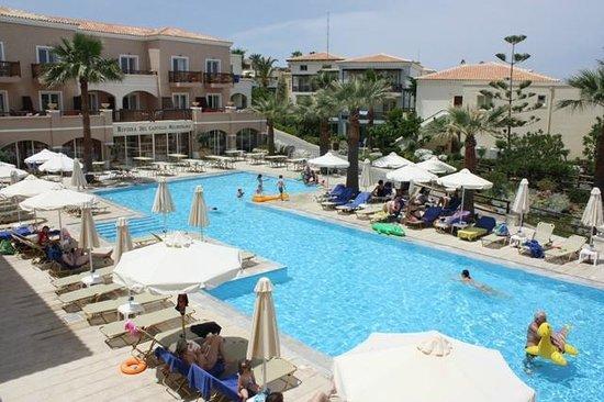 Grecotel Club Marine Palace: Une des 5 piscines