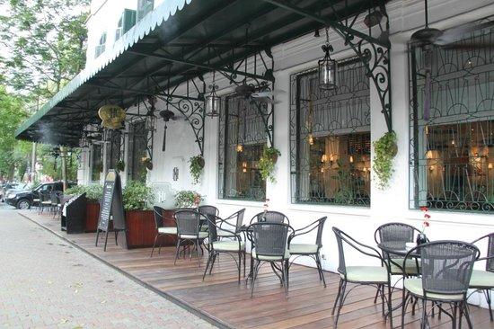 Sofitel Legend Metropole Hanoi: Restaurant