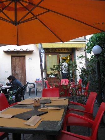 Voglia DI Pizza: Outside area
