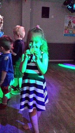 Sunnydale Holiday Park - Park Resorts: Sparkys Krewe Kids Club, Medal given for her 6th Birthday