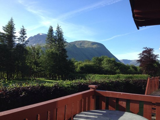 Lochy Holiday Park : View to the west with ben nevis