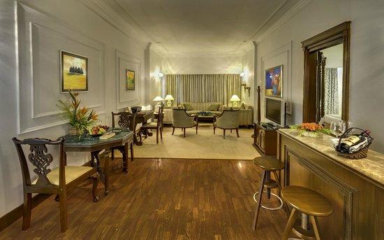 Hotel Hindusthan International Kolkata: HHI Club Suite Living Area