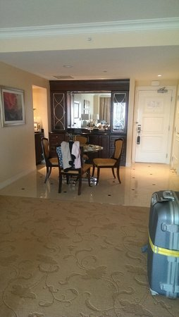 Waldorf Astoria Orlando: Suite dining area