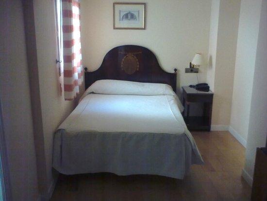 Hostal Plaza Mayor: Comfortable room