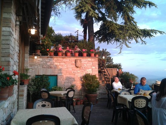 ristorante metastasio : twighlight on the terrace