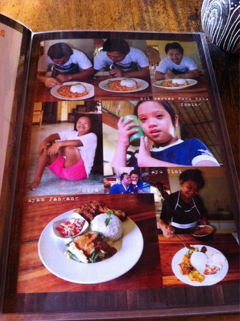 Sjaki's Warung : Menu and pictures of students