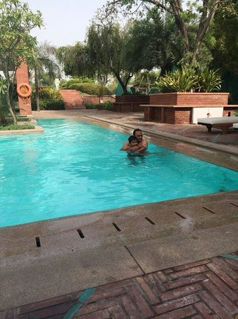 ITC Mughal, Agra : Pool