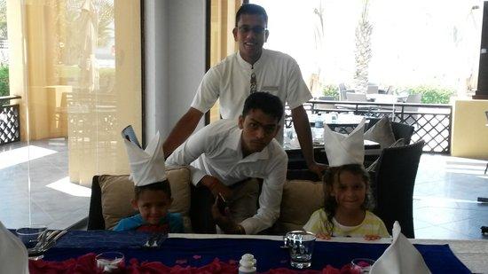 Hilton Ras Al Khaimah Resort & Spa : staff at AL BAHAR MAKING OUR LAST DAY EXTRA SPECIAL