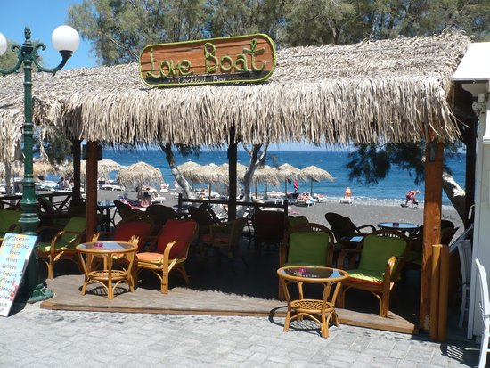 Santellini Boutique Hotel: Local bar