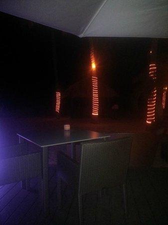 Bucuti & Tara Beach Resort Aruba: Elements by nigth