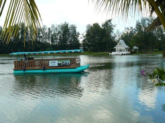 Laguna Holiday Club Phuket Resort: Ferry Service