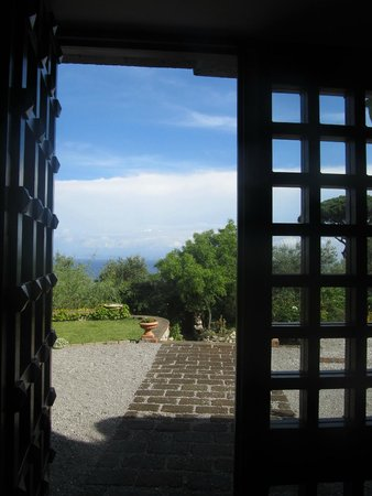 Torre Cangiani : Morning through the Front Door
