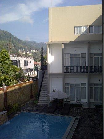 Seulawah Resort & Cafe : Room, pool & view