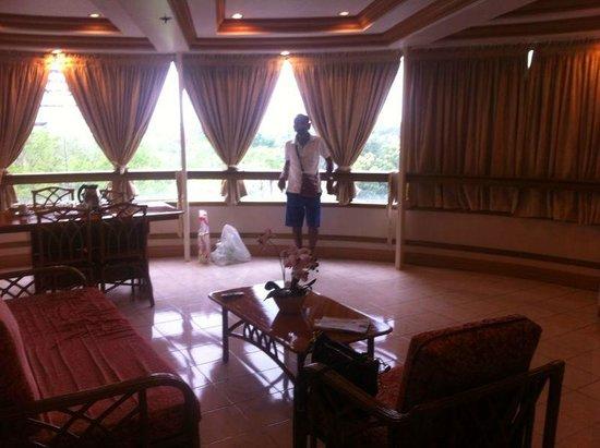 Elegant Circle Inn: The Suite room