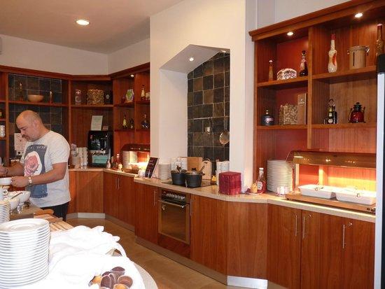 Staybridge Suites St. Petersburg: Breakfast