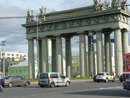 Staybridge Suites St. Petersburg: Moscovskiye Vorota ( in commemoration of Russian Victory in Turk Wars)