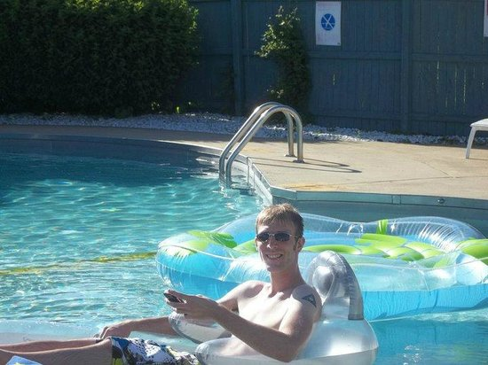 Mayfield Inn Clarion : Great Pool Accessories
