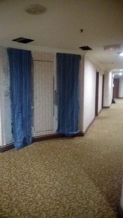 Dorsett Kuala Lumpur : Constructions in the hallway