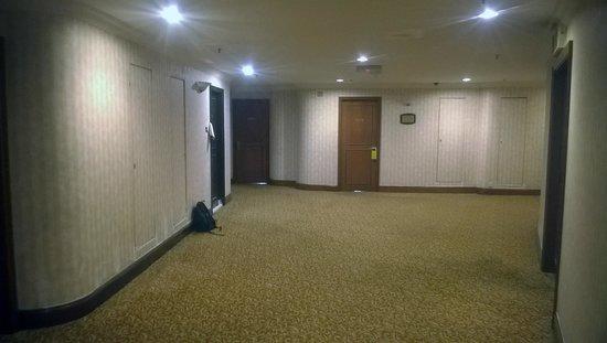 Dorsett Kuala Lumpur : Another consturction site in the hallway