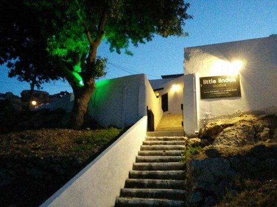 Little Lindos Sea View Studios: Entrance