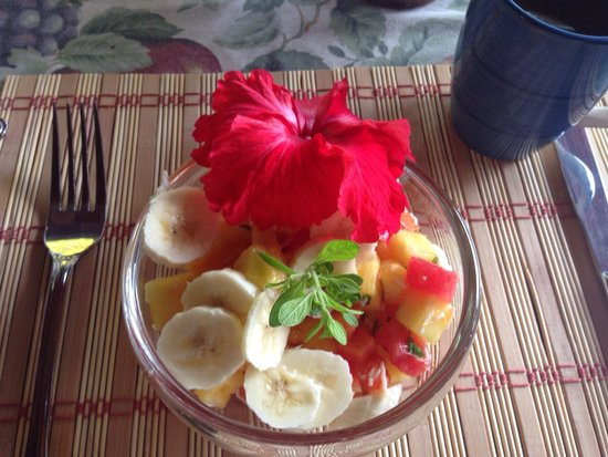 Coral Hill Bungalows : Breakfast appetizer