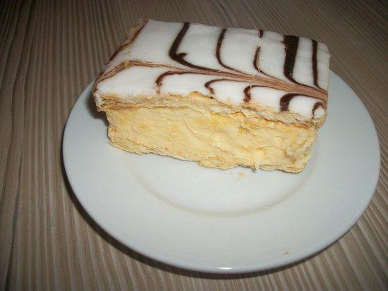 Clwyd Bakeries: vanilla slice