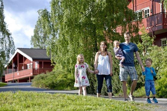 Birkebeineren Hotel & Apartments: Family at the hotel /Photo: Geir Olsen