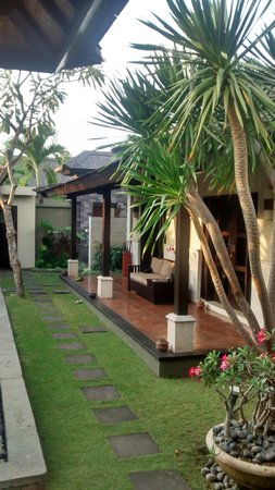The Ulin Villas & Spa: outside view from the villa