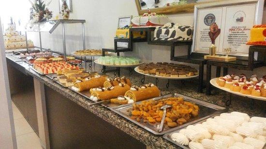 Titan Garden Hotel: dessert