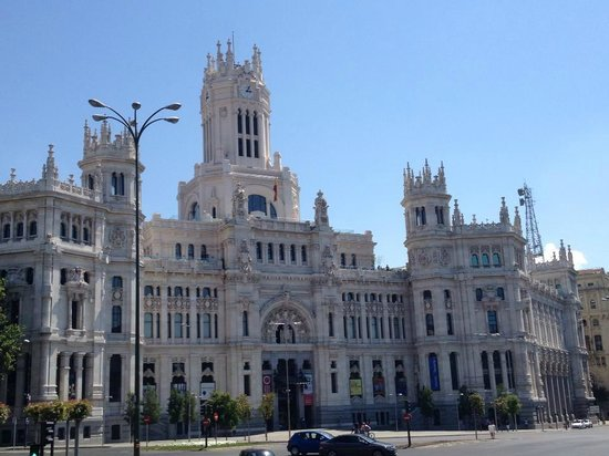 The Westin Palace Madrid: Walking distance from Hotel
