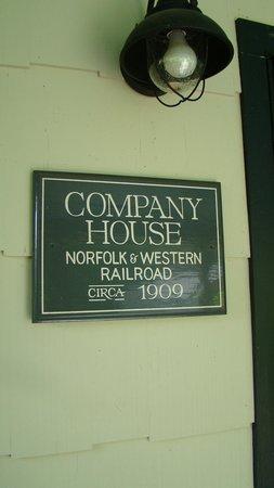 The Depot Lodge: Sleeps 6