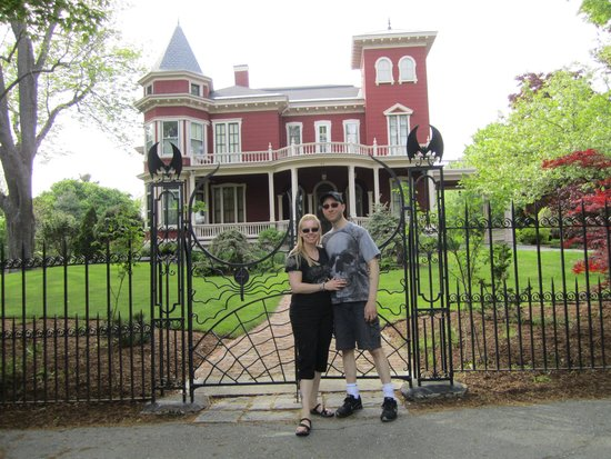 At Stephen King's house! - Picture of SK Tours Of Maine ...