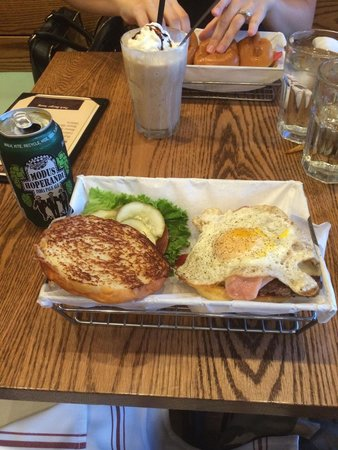 Photo of American Restaurant Park Burger at 1890 S Pearl St, Denver, CO 80210, United States