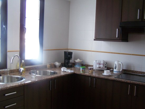 Tabaiba Centre Apartments : Kitchen area