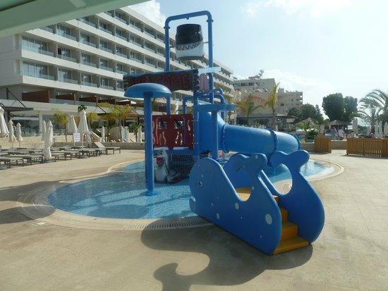 The Royal Apollonia: Детский бассейн