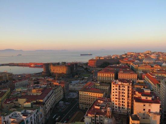 NH Napoli Ambassador : Утром