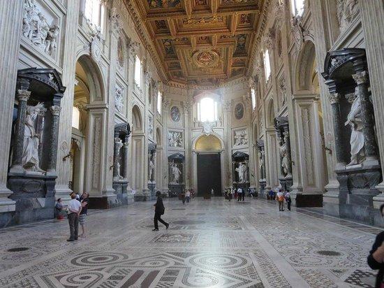 Arcibasilica di San Giovanni in Laterano: Nave central de la Basílica
