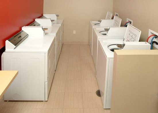 TownePlace Suites Erie: Laundry Facility