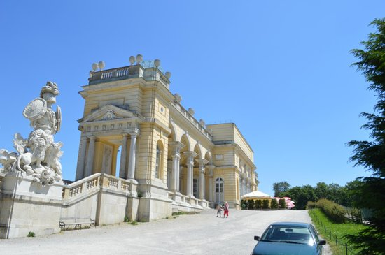 Best Western Premier Kaiserhof Wien: Gloriette in Schonbrunn Palace grounds