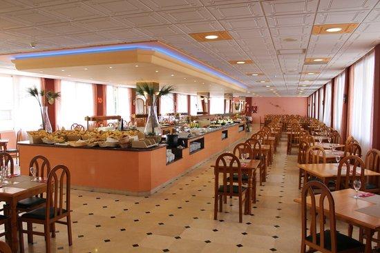 Hotel Parasol Garden: Restaurante