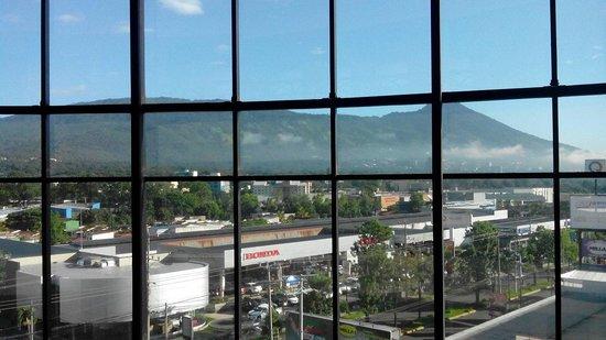 Holiday Inn San Salvador: Desde el 5to piso del hotel