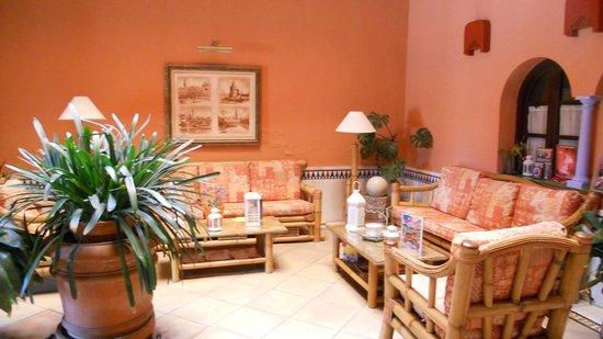Hotel Patio de la Alameda: atrio