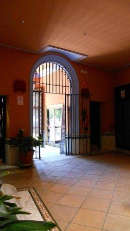 PV-Holidays Residence Patio de la Alameda: ingresso