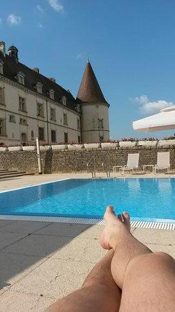 Hôtel Golf Château de Chailly : Chateau aile Ouest, depuis la piscine
