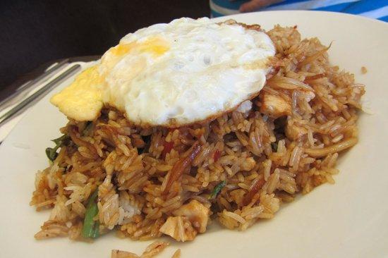 Sala Thong Restaurant: Kao Pad Ka Pao (Spicy Rice with Basil)